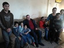 Գեղարքունիքի մարզպետ Կարեն Բոթոյանն Ամանորին ընդառաջ այցելեց   բազմազավակ ընտանիքին