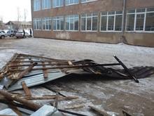 Ուժեղ քամին վնաս է պատճառել Վերին Գետաշենի թիվ 1 միջնակարգ դպրոցի շենքին